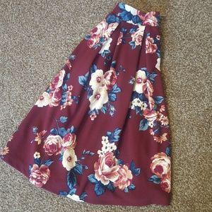 Dresses & Skirts - Pleated skirt